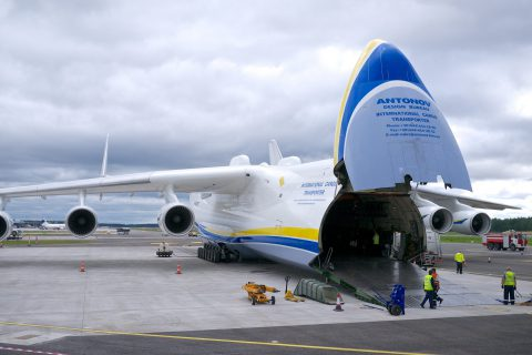 Antonov_An-225_Mriya_(14404727404)
